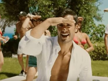 """Canta pure Pierpaolo Pretelli, il video ufficiale de """"L'estate più calda"""""""