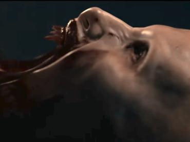 Una donna vampiro in aereo, il trailer italiano di Blood Red Sky
