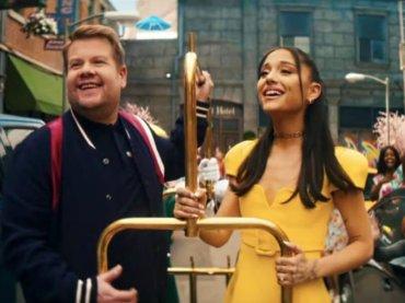 """James Corden e Ariana Grande celebrano la fine del lockdown USA con la parodia di """"Hairspray"""" – VIDEO"""