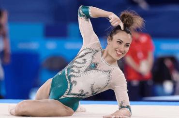 Vanessa Ferrari fa la storia: medaglia d'argento nel corpo libero – il video della sua esibizione