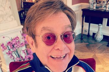 """Ed Sheeran ha regalato ad Elton John un enorme pene in marmo: """"È fatto benissimo"""""""
