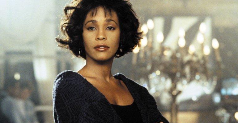 Guardia del Corpo, la Warner ordina il remake. Beyoncé al posto di Whitney Houston?