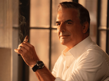 """Sex and the City, prima foto ufficiale di Chris Noth nel revival """"And Just Like That…"""""""