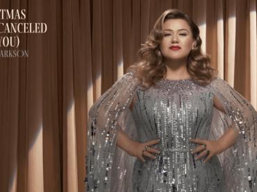 "Per Kelly Clarkson è già Natale, nuovo disco e singolo ""Christmas Is not Canceled"" – AUDIO"
