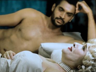 Sensualità a Corte 9, Madre è incinta del Duca di Bridgerton? La 2a puntata, video