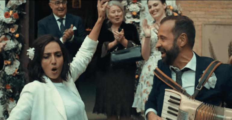 Per Tutta La Vita con Ambra Angiolini e Fabio Volo, il trailer del film