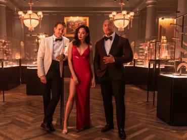 Red Notice con  Ryan Reynolds, Gal Gadot e Dwayne Johnson: il trailer italiano